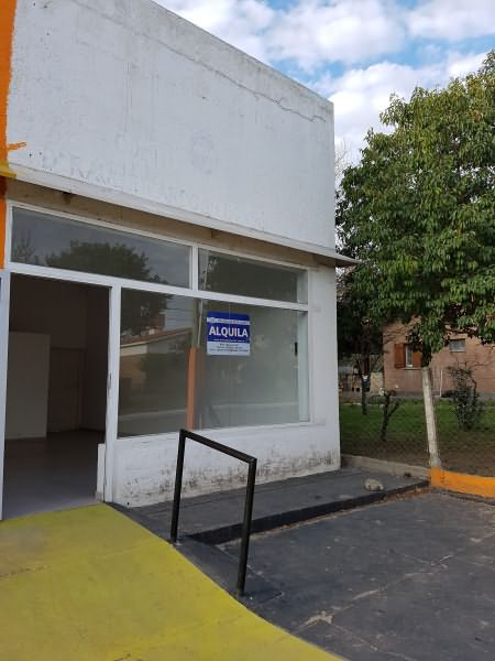 LOCAL CÉNTRICO EN ALQUILER DE 48 M2 - Ideal comercio / oficinas